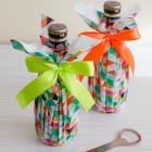 http://www.empaquetandoando.com/es/blog/171-envolver-botella-servilleta-papel.html