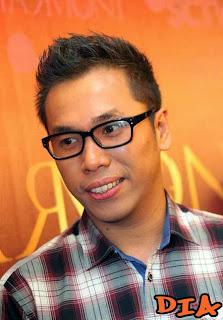 Sammy Simorangkir - Dia MP3