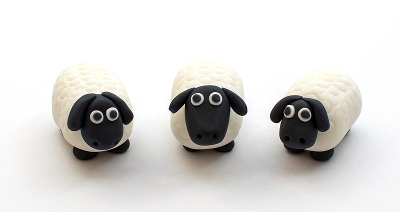 Sheep fondant figurine trio up
