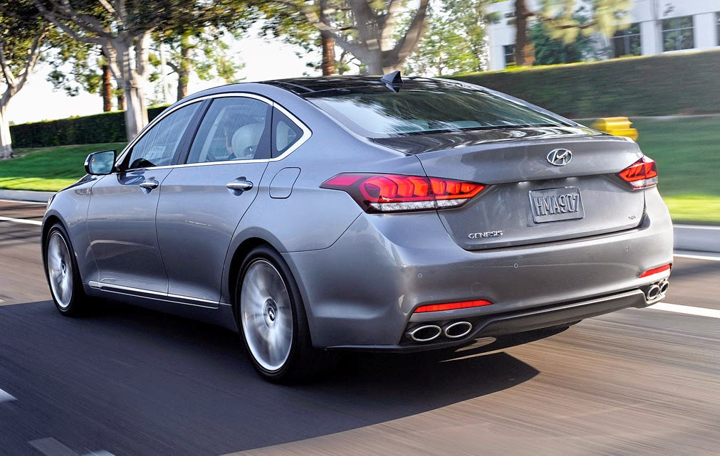 Trasera del Hyundai Genesis