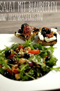http://melinas-suesses-leben.blogspot.de/2013/05/rucola-salat-mit-blaubeeren-und.html