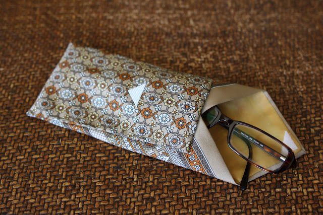 neck tie eyeglass case