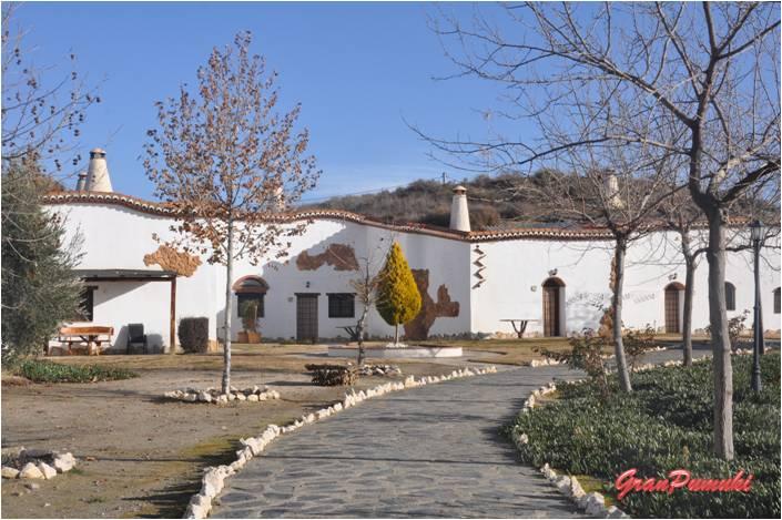 Fin de semana rural en Guadix, provincia de Granada alojados en una Casa Cueva. En Blog de Viajes, viajar con niños