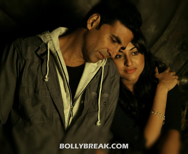 Joker Movie HD Wallpapers - Sonakshi Sinha & Akshay Kumar