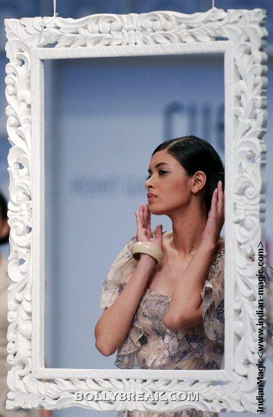 Diana Penty makeup - (6) - Diana Penty Hot Pics - Model Ramp Walk Fashion Show