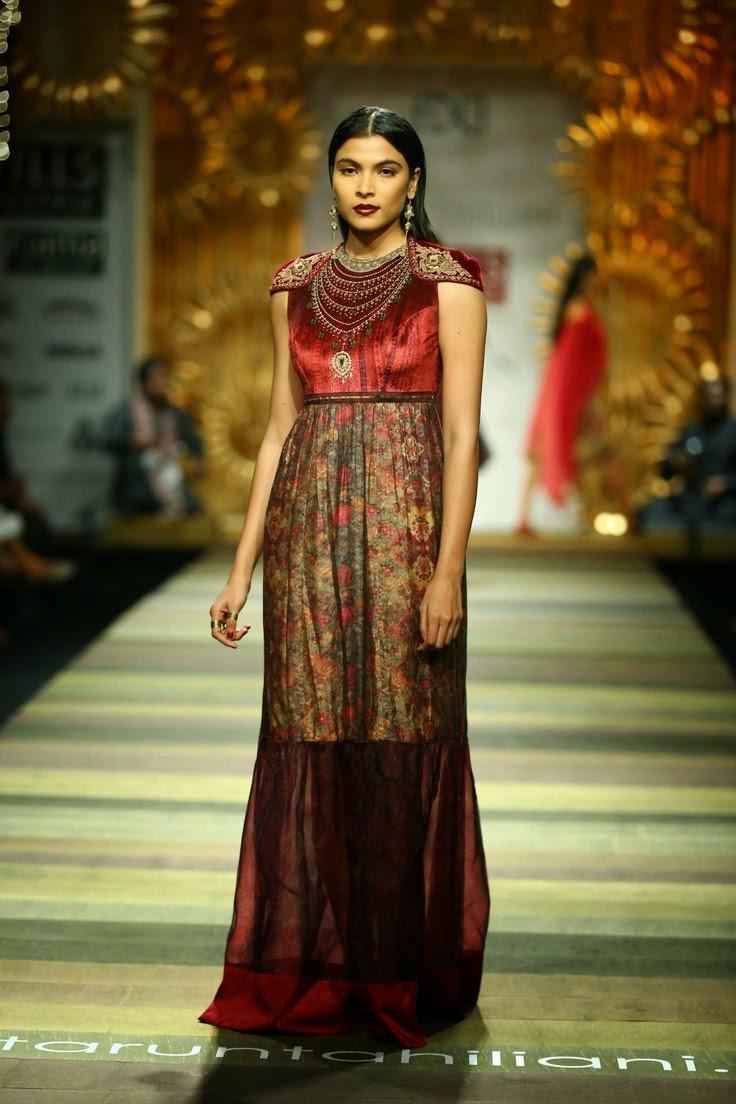 Tarun Tahiliani Show At Wills Lifestyle India Fashion Week 2014 Fashion Feature