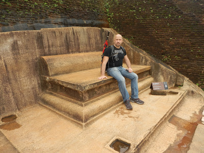 Sigiriya summit, King sitting on Throne carved out of granite, garden bench, Anunakis Aliens, admiring scenery