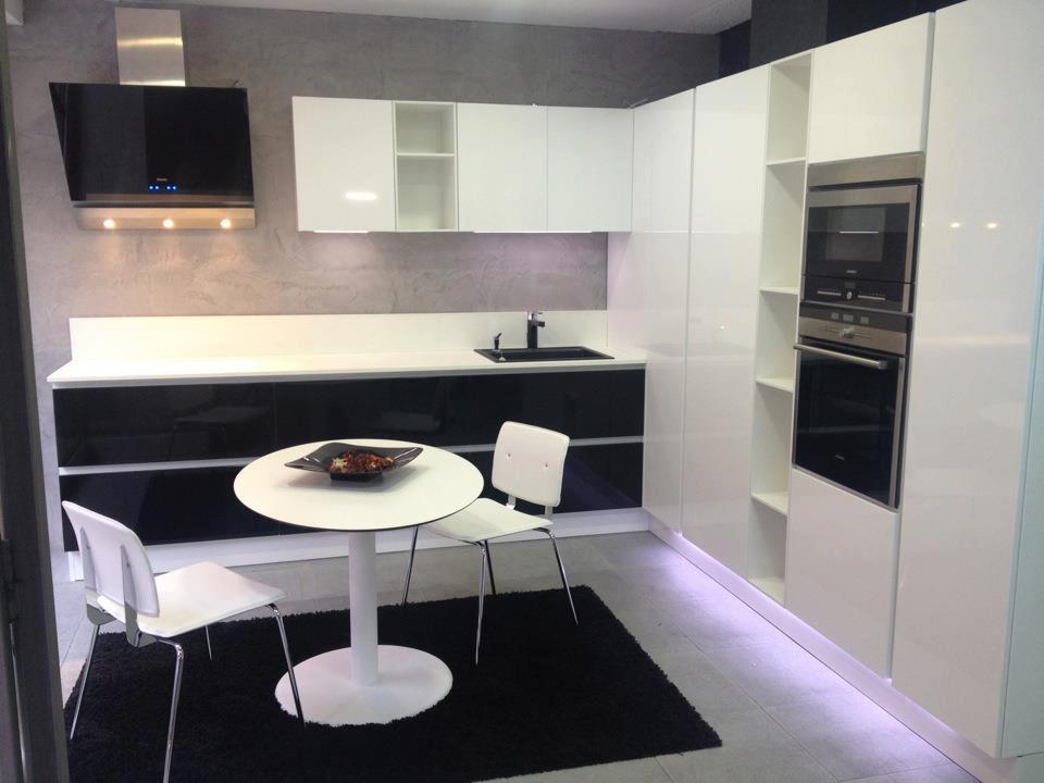 Cocinas integrales de cemento pulido - Microcemento para cocinas ...