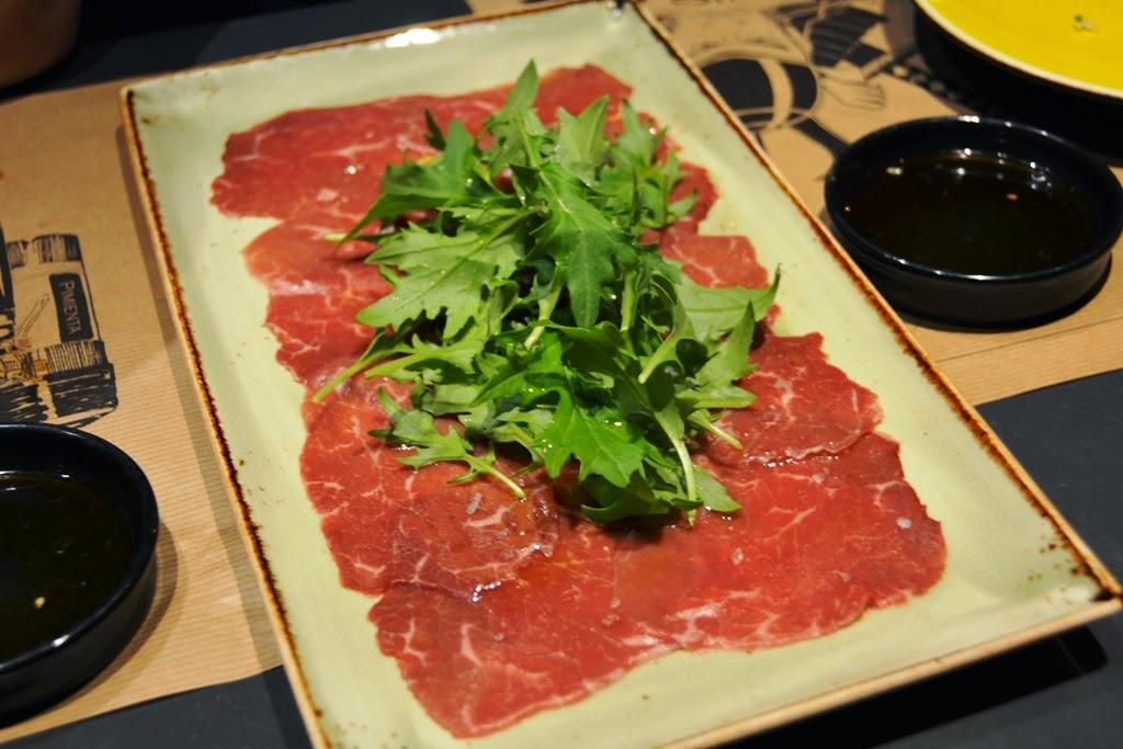 Restaurant Umo Barcelona beef carpaccio