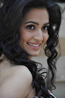kriti kharbandha close up new unseen pics