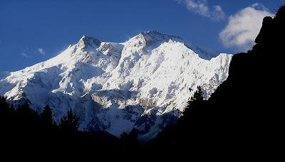 Gunung Manaslu         Tinggi : 8.163 m         Lokasi :