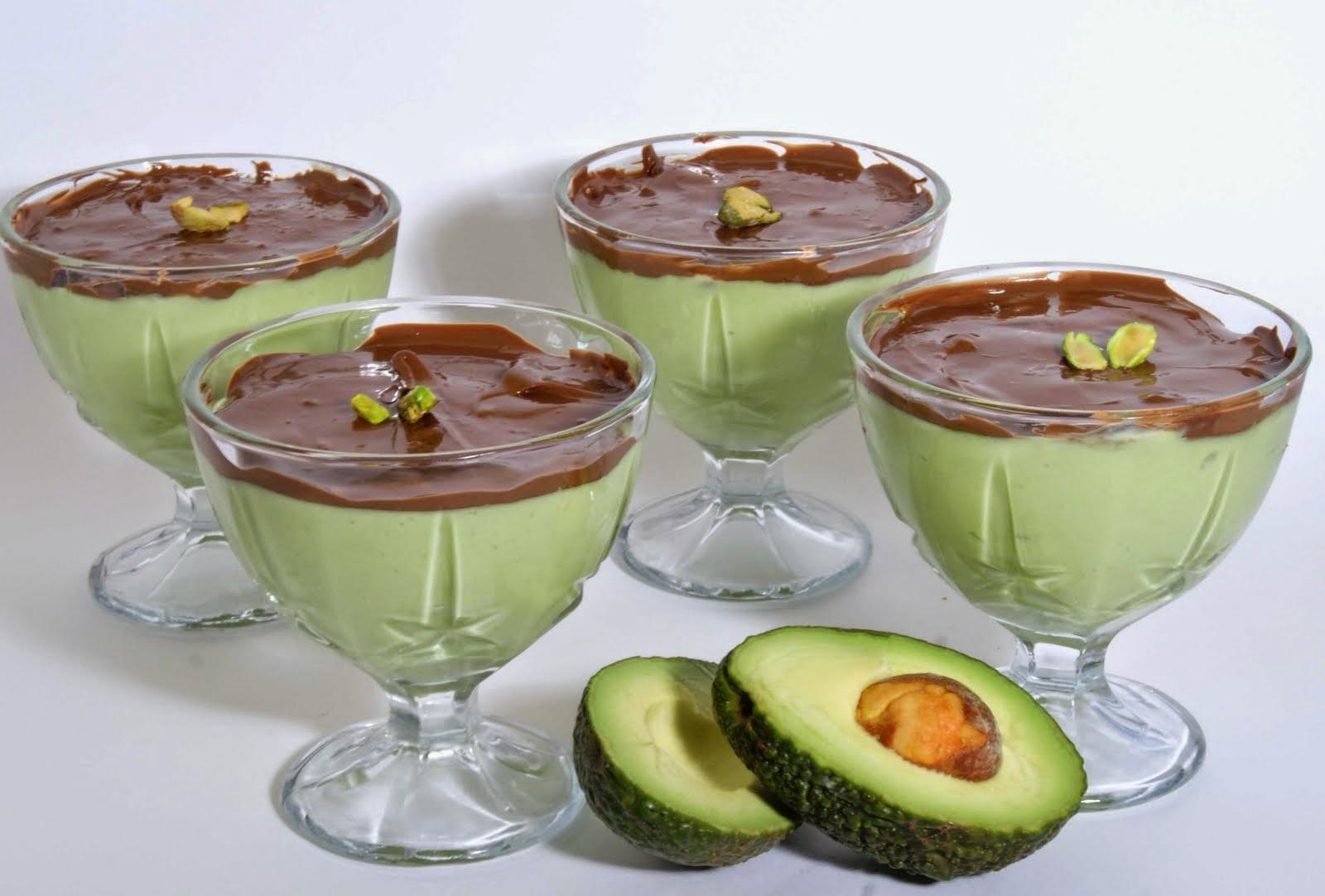 Creme de abacate com chocolate light