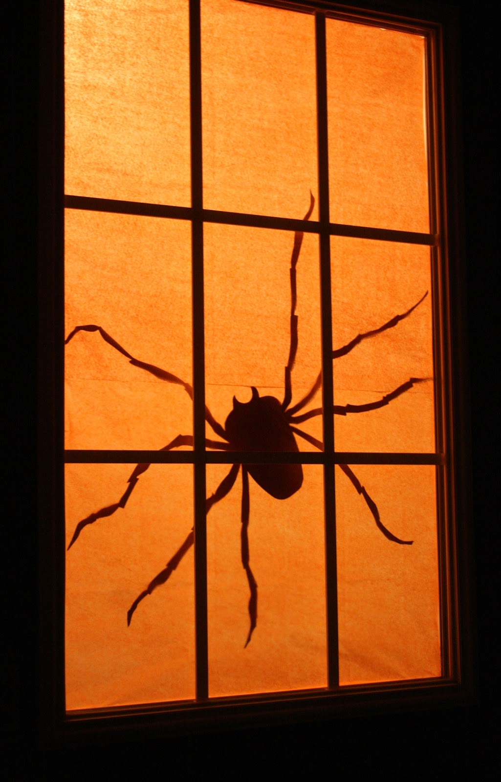 charcoal and crayons day 27 spooky spider silhouette. Black Bedroom Furniture Sets. Home Design Ideas