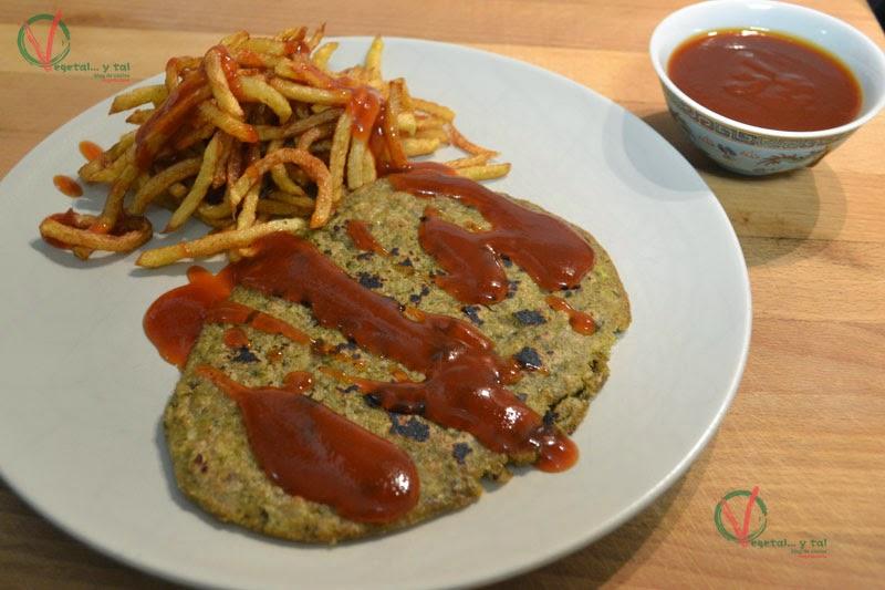 Escalopa vegetal y patatas fritas con Ketchup casero.