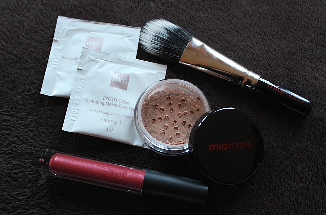 MiaMariu mineral makeup review and giveaway (CLOSED)!
