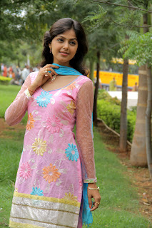 Monal Gajjar latest gorgeous Pictures 002.jpg