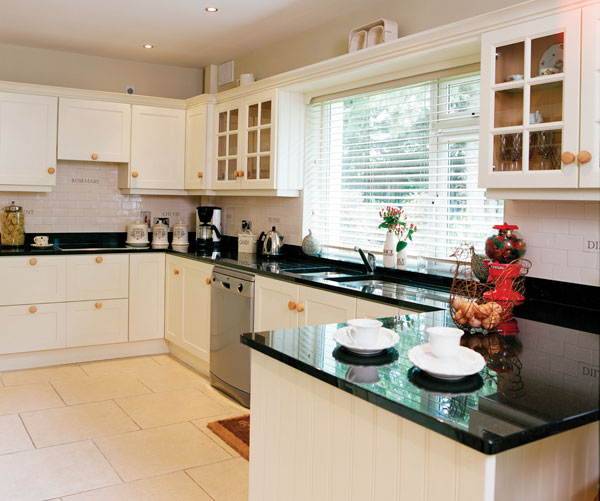 Parkdale ave a country bungalow in ireland for Irish kitchen designs