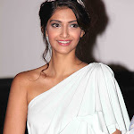 Sonam Kapoor Gorgeous In One Shoulder White Dress At The 'Mausam' Movie First Look