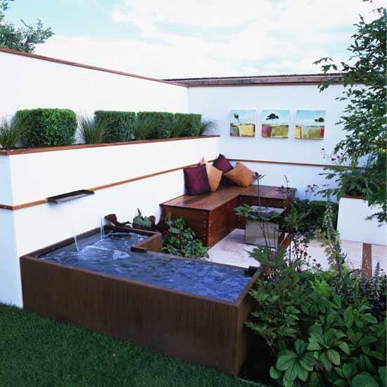 ideias jardins grandes:Mesmo sem muito espaço pode ter o prazer da água com uma mini