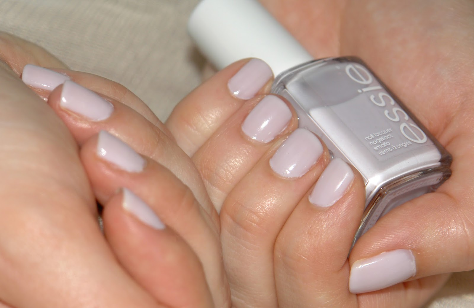 NAILS: Essie hubby for dessert, Essie, nail polish, nails, NOTD, swatches
