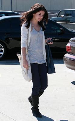 Selena Gomez Clothing on Selena Gomez Style Clothes