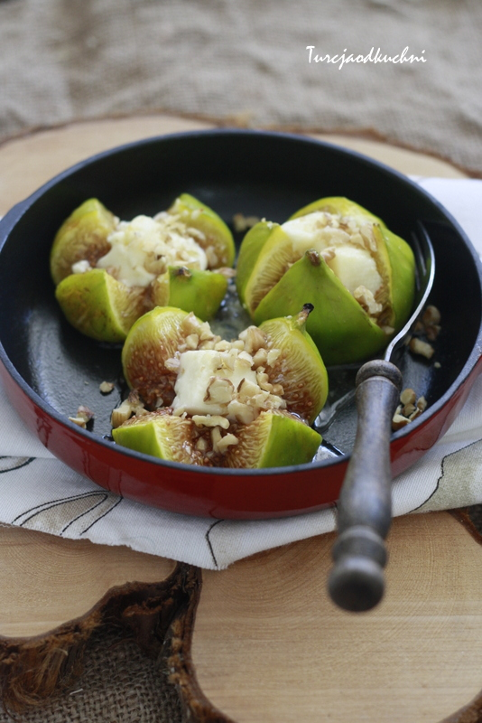 Figi zapiekane z serem feta