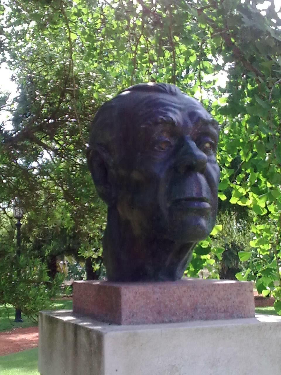 Vida real 3 0 228 apostillas el jard n de los poetas for Borges el jardin