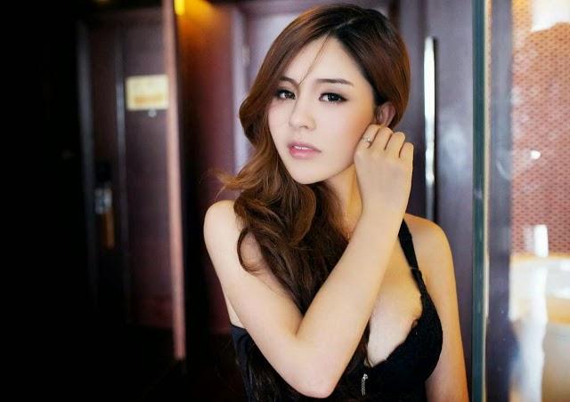 Foto+Bugil+Model+Cantik+Singapura+(2).jp