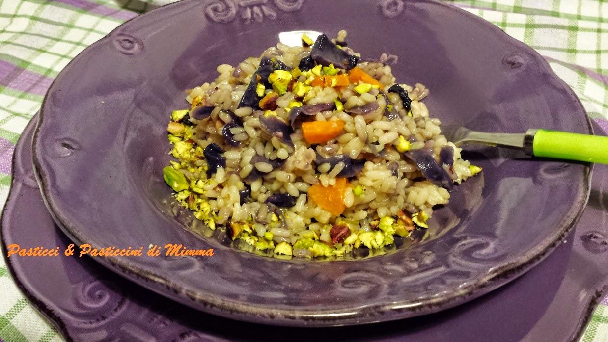 risotto con cavolo viola , pancetta e pistacchi