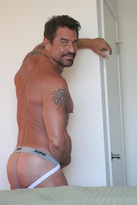 Sexy daddies in underwear photos and