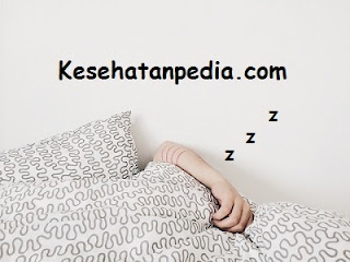 Cara menghilangkan kebiasaan ngorok / mendengkur saat tidur