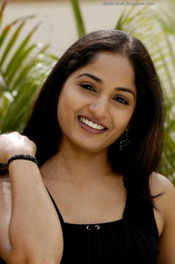 Tamil Actress HD Wallpapers FREE Downloads: MADHAVI LATHA