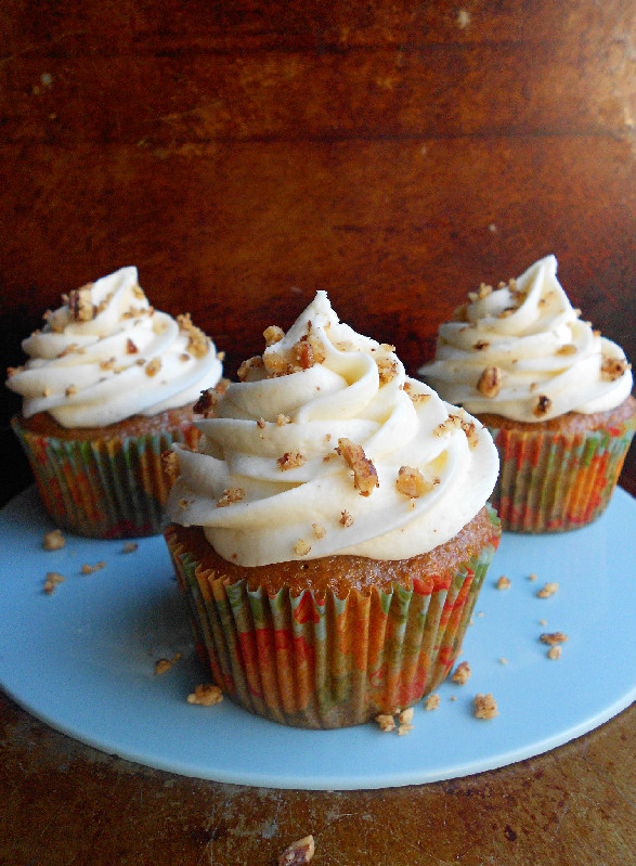Images Of Carrot Cake Cupcakes : Carrot Cake Cupcakes With Browned Butter Cream Cheese ...