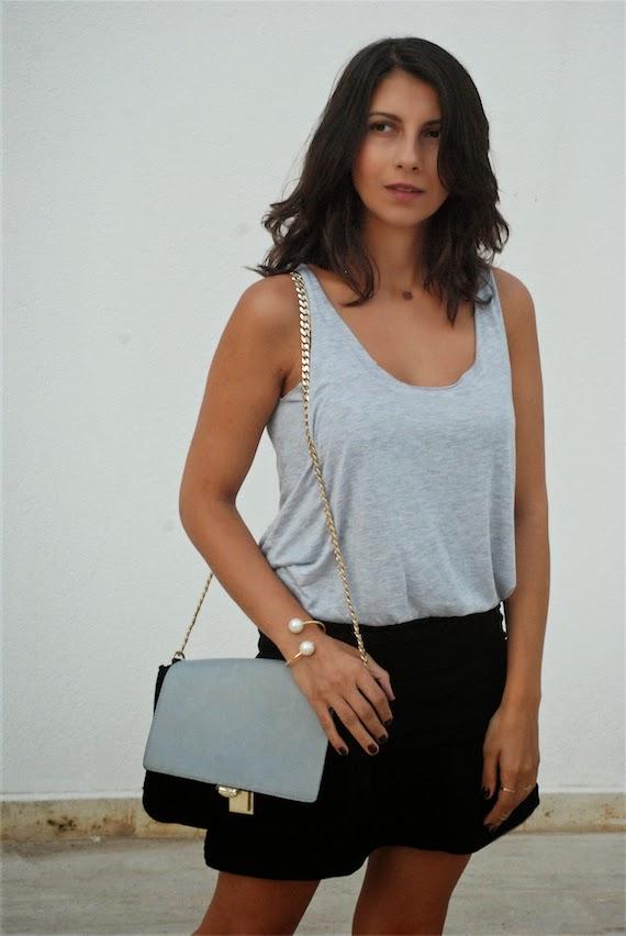 denim shirt,maje dress, boots,chain bag, effortless chic,street style,blogger style,trendydolap style