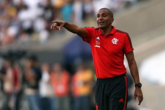 Cristóvão Borges continua pressionado no comando do Fla
