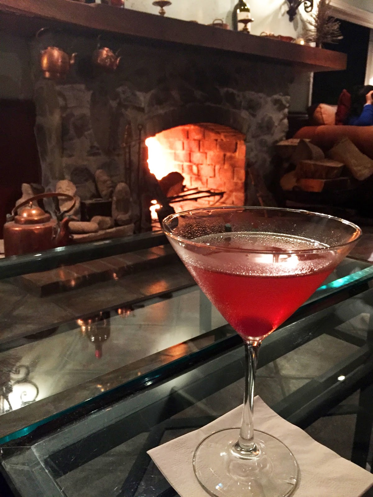 Cocktails by the fire at Panamonte, Boquete Panama