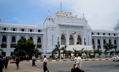 >After new administration in Rangoon, no more plastic bags in the market