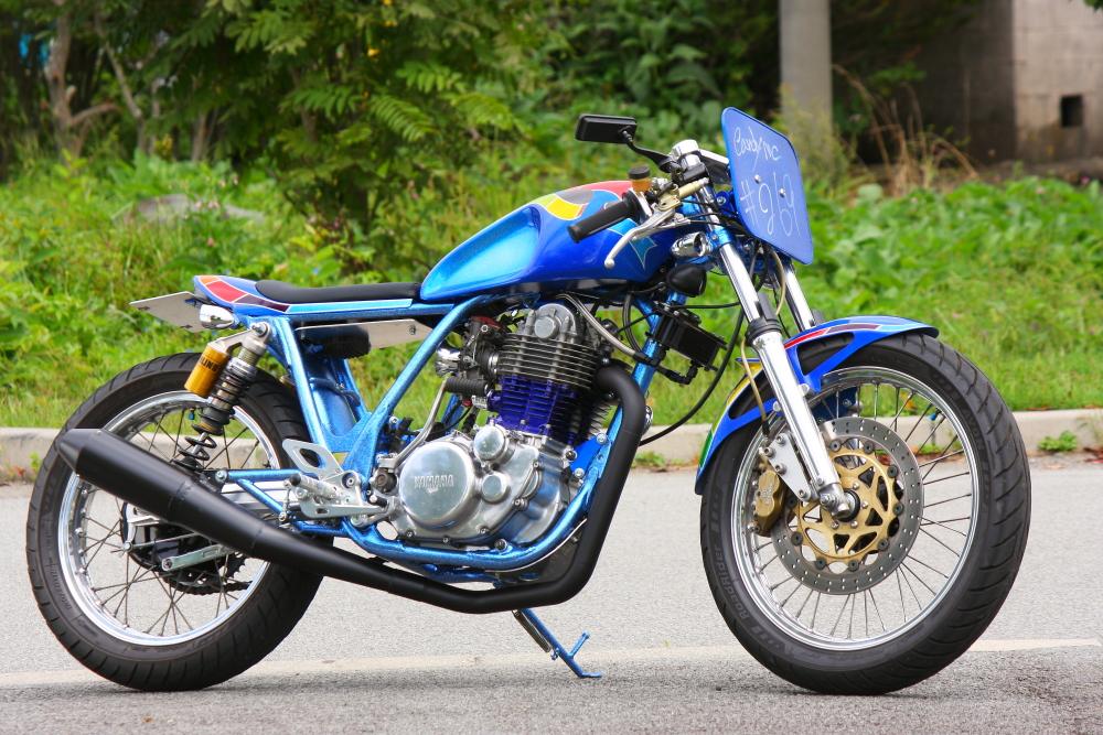 Planet japan blog yamaha sr 400 1 by candy motorcycle for Yamaha 400cc motorcycle
