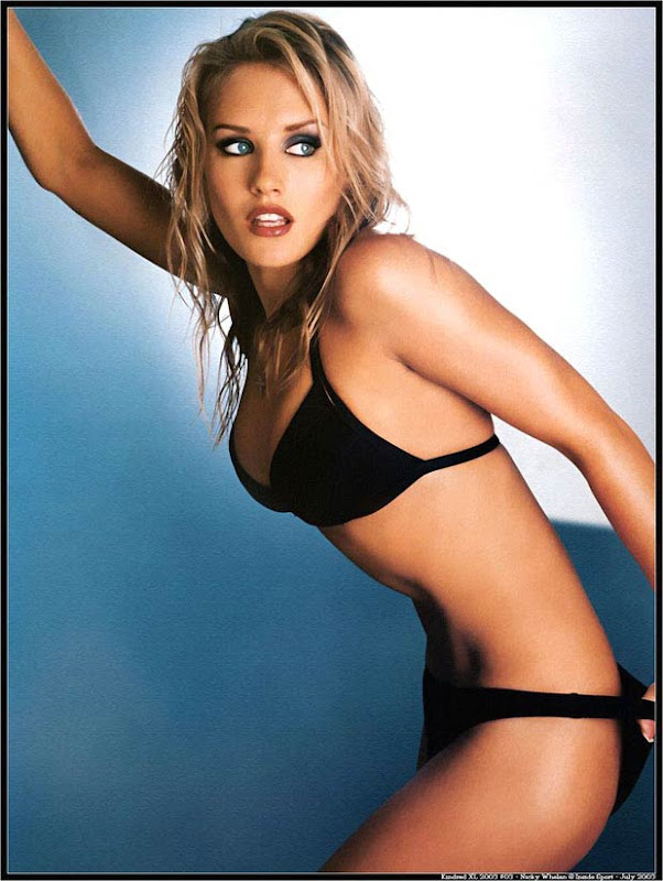 Hall Pass Cast Nicky Whelan sexy stills