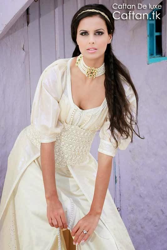 Caftan-robe-de-soirée-blanche