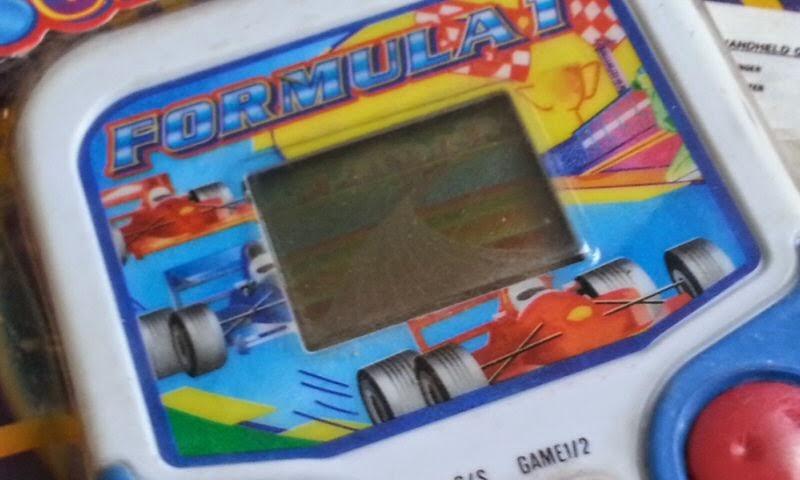 http://schiacciapensieripolistil.blogspot.it/2014/06/pocket-game-formula-1.html