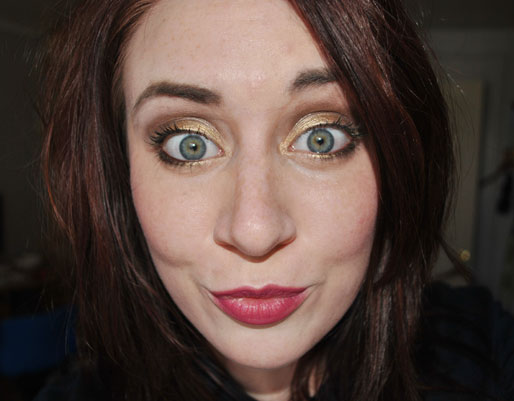 makeup photo a day, gold eyeshadow, raspberry lipstick