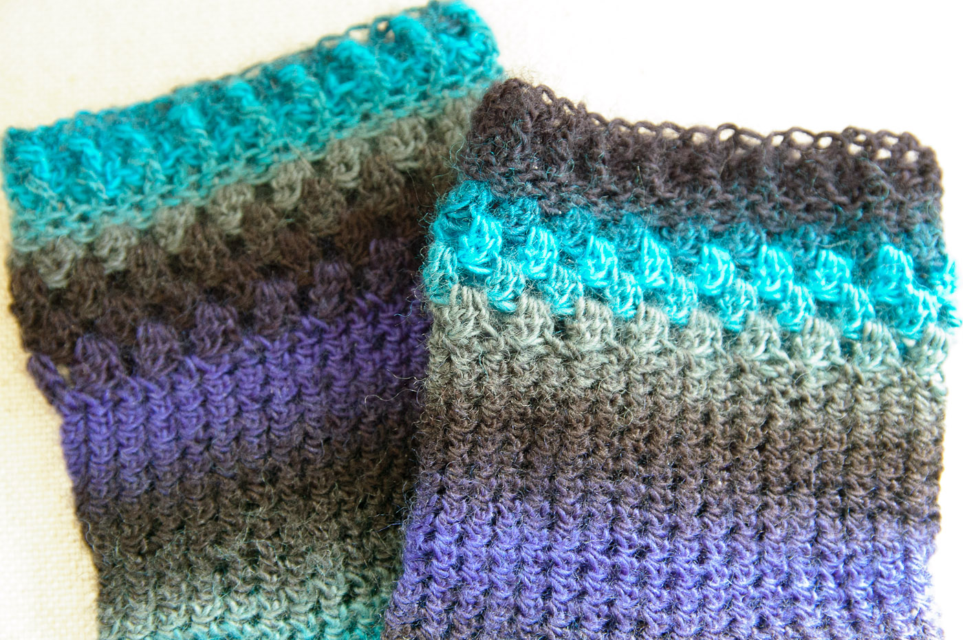 Crocheting Socks : Hilly Town Blue: FO Friday: Crochet Socks