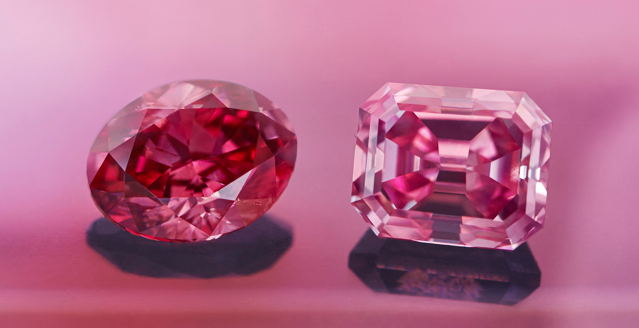 A Record-Breaking Fancy Vivid Pink Diamond Named \'The Argyle Alpha ...