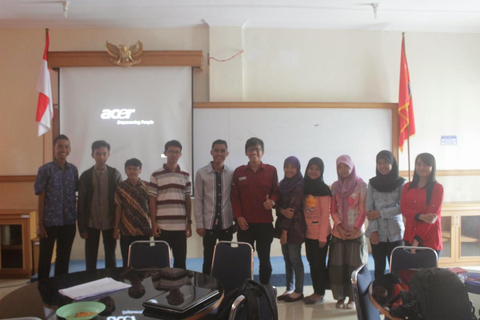diskusi pentas tentang energi nuklir himpunan mahasiswa