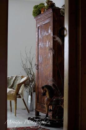 ein altes restauriertes Möbelstück
