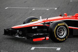 Mobil-Marussia-MR02-F1-2013_2