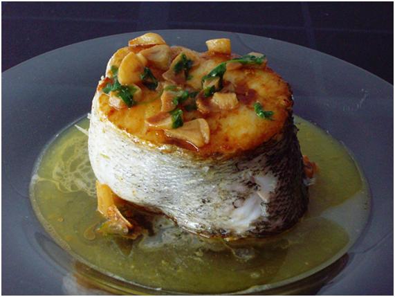Erbesteratuen c rculo de exiliados vascos cocina vasca for Cocinar merluza a la vasca