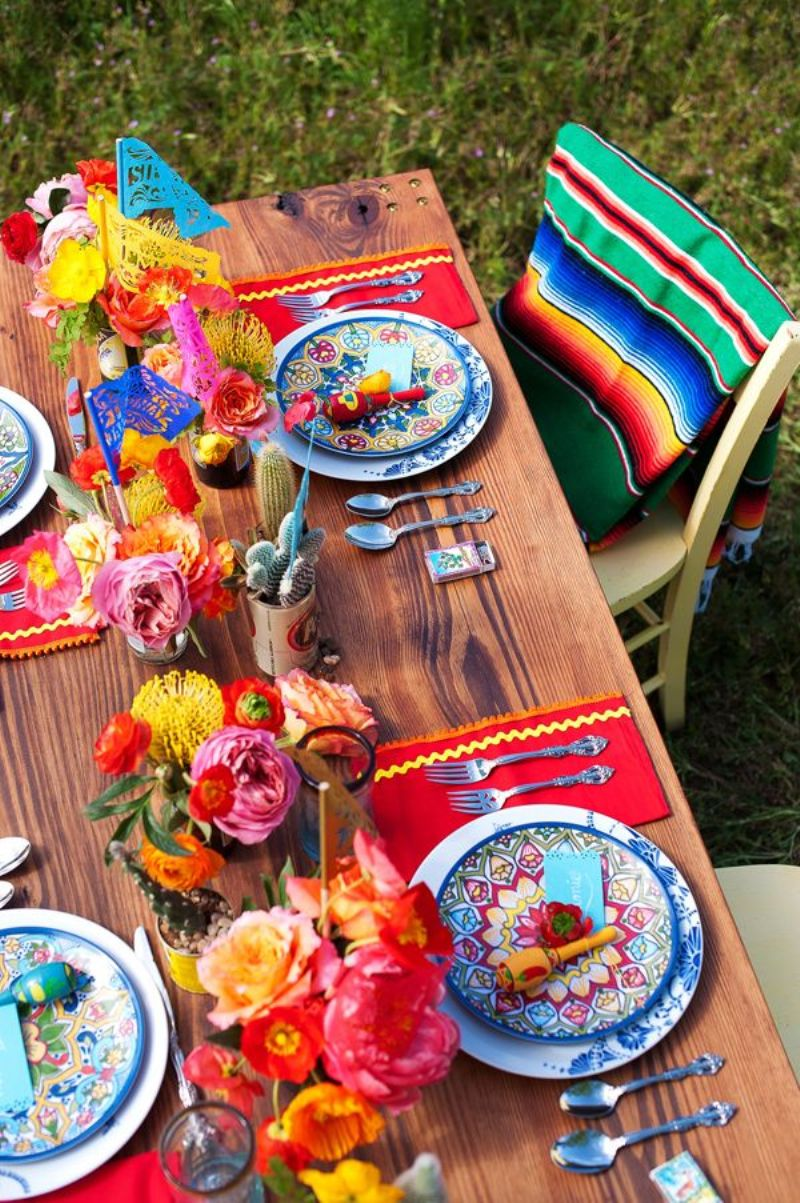 Chic mexican inspired tablescapes for your fiesta party for Accessoire decoration