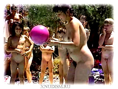Nudists and naturists from America, family nudism video